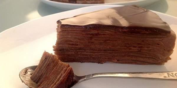 Блинный шоколадный торт с пастой Nutella