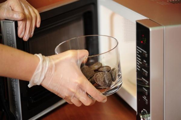 растопить шоколад в микроволновке