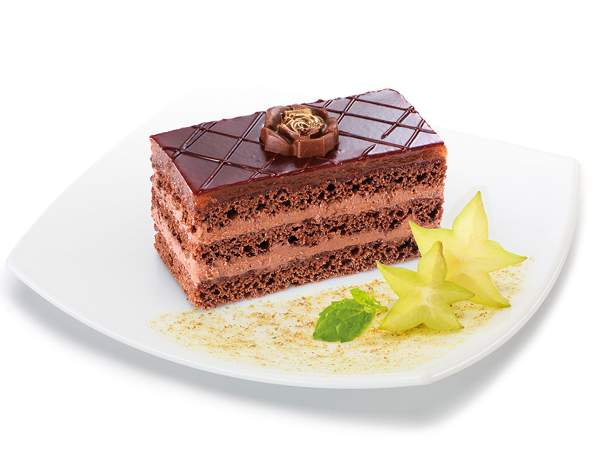 Бисквитное шоколадное пирожное