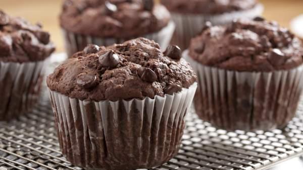 Шоколадные маффины с шоколадными каплями