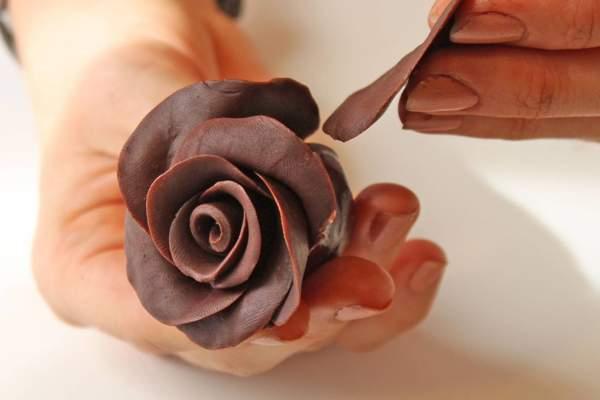 Медовая мастика из черного шоколада