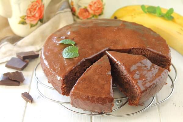 Шоколадно-банановый торт в мультиварке