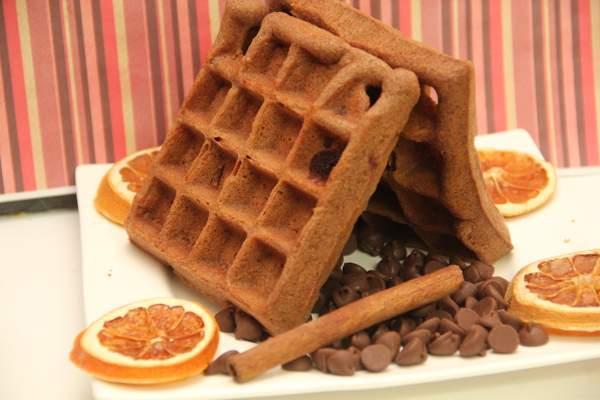 Шоколадные вафли в вафельнице