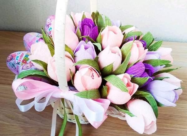 Тюльпаны из киндеров
