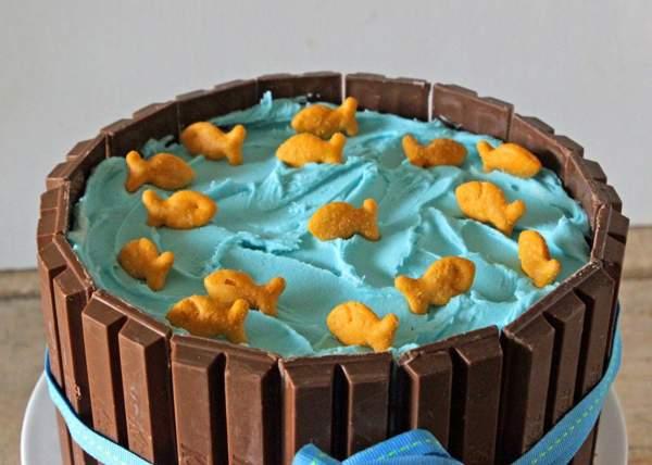 Тематический торт Кит Кат