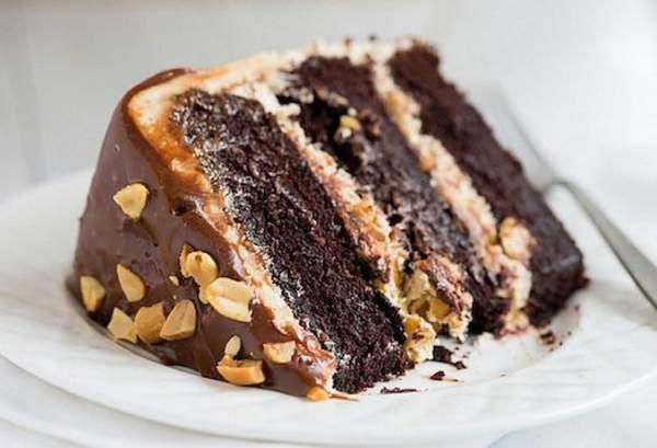 Арахисовый торт Сникерс