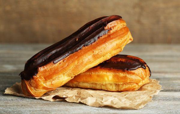 Рецепты шоколадной глазури для украшения эклеров