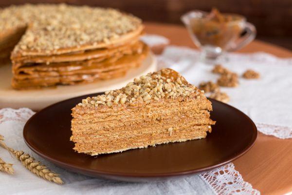 Шоколадный торт со сгущенкой из песочного теста